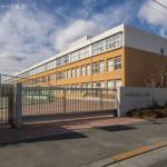 府中市立府中第三中学校 距離640m